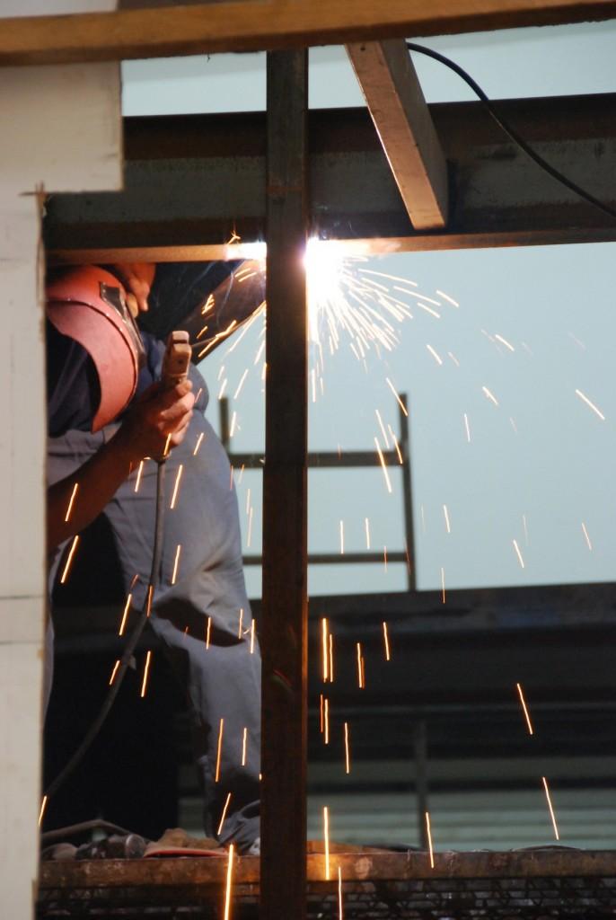 welding_factory_industry_welder_worker_industrial_weld_fabrication-608562