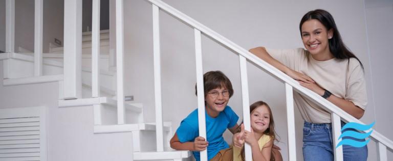 Examinons de plus près afin que vous puissiez trouver la solution à votre problème de température dans votre maison à deux étages.