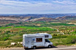 motorhome_landscape_journey_recreational_freedom_scenery_holiday_rv_camping-585283