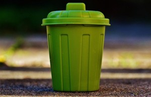 garbage-can-g4b4d24534_640