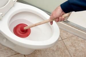 Comment traitez-vous l'accumulation de calcium dans les tuyaux de toilette