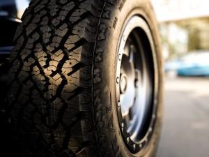 pneu voiture sans permis
